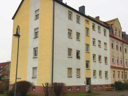 Günstige, ruhige u. frisch renovierte 3-Zimmer-Whg. mit neuem Balkon in Delitzsch