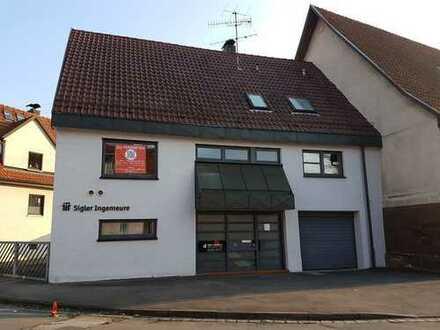 Modernes Büro-/Wohnhaus mit Dachterrasse in zentraler Lage