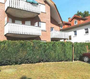 Helle Erdgeschoss-Wohnung mit Terrasse