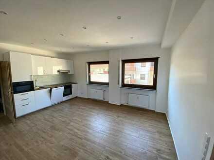 Stilvolle 4-ZKBB-Hochparterre-Wohnung mit EBK im Zentrum von Schwetzingen