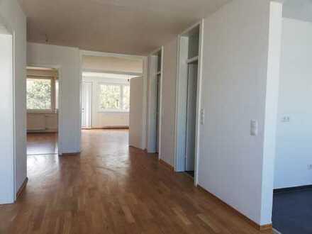 Sanierte 4-Zimmer-Wohnung mit Balkon in Steilshoop, Hamburg