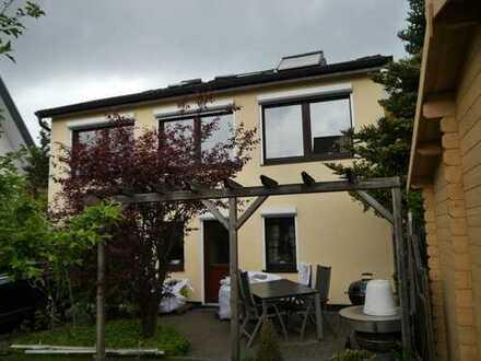 Gemütliches Einfamilienhaus, 6 Zimmer + EBK - Bremen-Osterholz, Nähe Daimler
