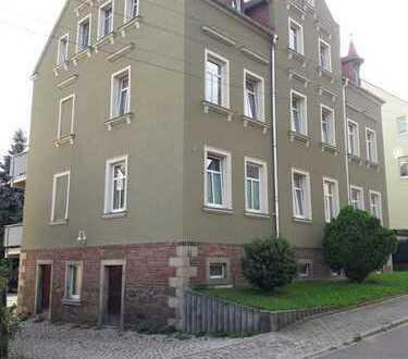 Erstbezug nach Sanierung mit Balkon: preiswerte 2-Zimmer-Erdgeschosswohnung in Gersdorf