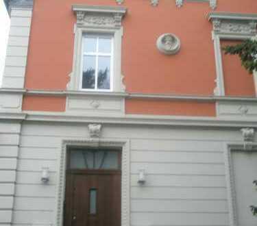 Schöne 4-5 Zimmer Maisonette-Wohnung mit Balkon in Solingen