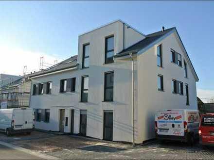 Dachgeschosswohn(t)raum mit großzügigen Süd/West Balkon in Vilsendorf