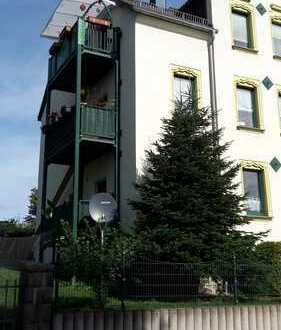 Schöne, geräumige 3 Zimmer Wohnung in Limbach-Oberfrohna mit Balkon, Garten und Garage