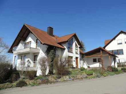 Einzigartiges, freistehendes 1-Familien-Wohnhaus mit Einliegerwohnung in Panoramalage
