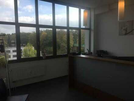 Lichtdurchflutete Büroflächen im 4Haus