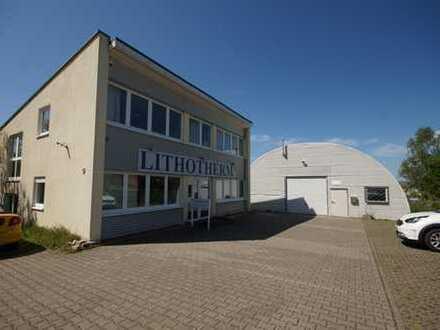 Ihr Neuer Gewerbestandort: Halle mit einem modernen Bürogebäude
