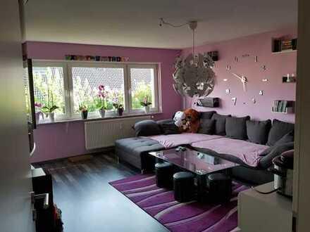 3,5-Zimmer-Erdgeschosswohnung mit Balkon und EBK in Waibstadt