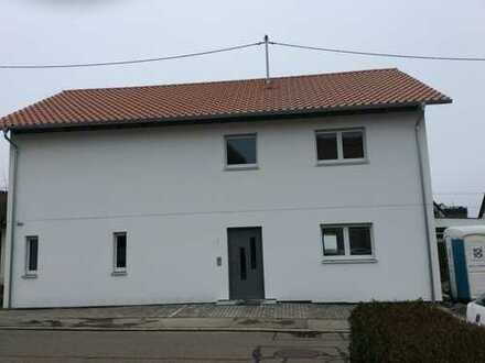 Erstbezug: exklusive 4-Zimmer-Wohnung mit Balkon in Pliezhausen