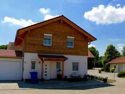 Moderne & schöne Neubauhäuser in traumhafter Lage von Bayerbach!