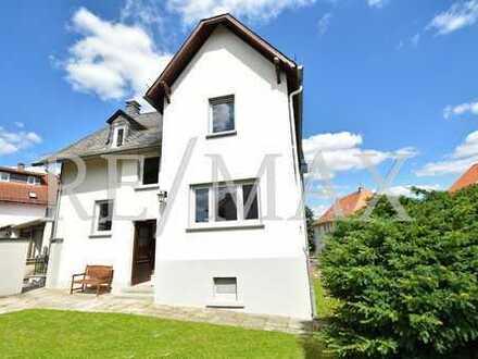 RE/MAX : Renoviertes Familienhaus in Neu-Anspach