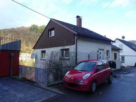 Heidelberg-Ziegelhausen - Kleines Haus am Hang zum Gestalten