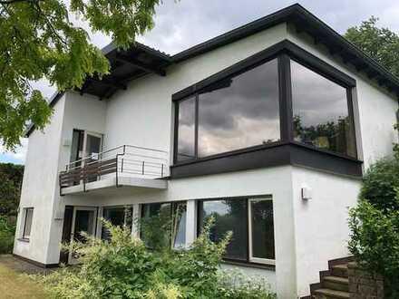 Charmantes Einfamilienhaus mit herrlichem Fernblick!
