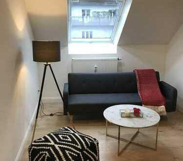 Stilvolle, helle & ruhige 3-Zimmer-DG-Wohnung mit Balkon in Düsseldorf-Pempelfort Nachmieter gesucht