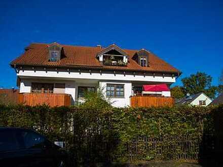 Ruhige, außergewöhnliche 4-Zimmer-Wohnung über 2 Etagen mit großem Garten in Puchheim