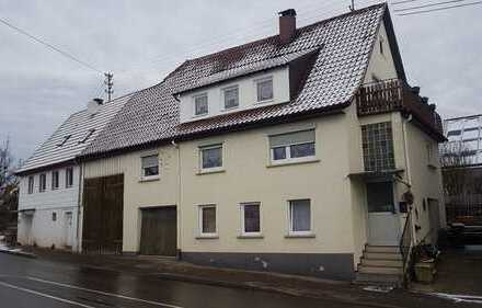 Renoviertes Einfamilienhaus m.Garage - Scheune und kl. Garten!