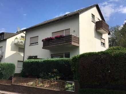 Freundliche 3-Zimmer-Erdgeschosswohnung mit Balkon/Terasse in Frankfurt/Nieder-Erlenbach