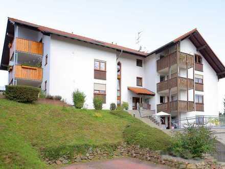 Helle und modern geschnittene 4-Zimmer-Dachgeschosswohnung mit Balkon und Aussicht ins Grüne