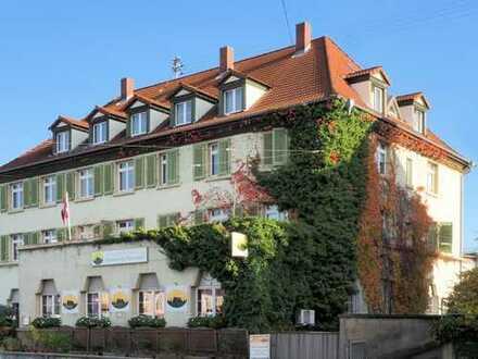 Vollvermietetes Wohn- und Geschäftshaus sucht Anlageprofi!