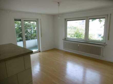 Helle 4,5 Zimmer Wohnung im 1.OG mit zwei Balkonen und Gartennutzung in 88046 Friedrichshafen
