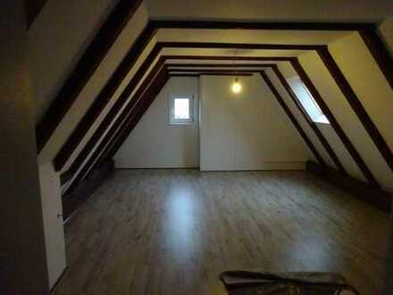 5 Zimmerwohnung im Obergeschoss über zwei Ebenen mit Gartenanteil in ruhiger Lage von Bremen-Lesum