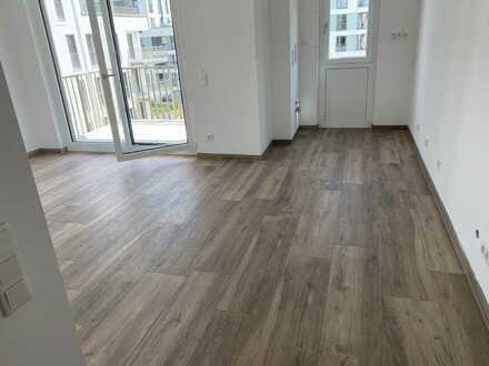 Erstbezug: freundliche 2-Zimmer-Wohnung mit EBK und Balkon in Aubing, München
