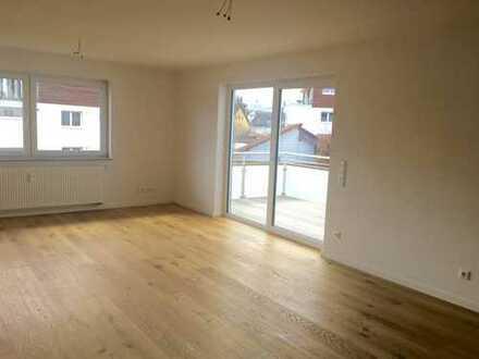 Erstbezug: große und helle 3-Zimmer-Wohnung mit EBK und Balkon in Salem