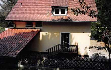 Schönes, geräumiges Haus mit vier Zimmern in Landshut, Achdorf