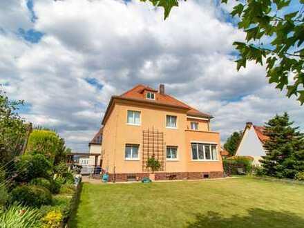 Zweifamilienhaus in exponierter Lage mit ca. 1000qm Bauland zu verkaufen