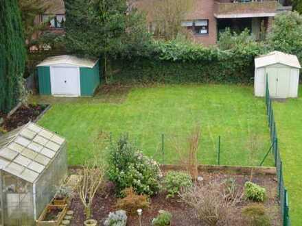 Helle 2-Zimmer Wohnung mit Garten, Stellplatz und neuem Bad!