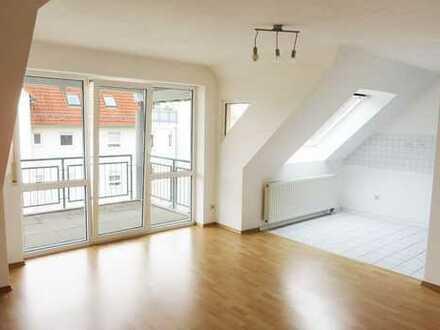 Helle, komfortable 2 ½-Zimmer-Dachgeschoss-Wohnung in Oberjettingen!