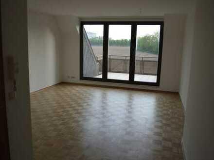 Vollständig renovierte 2-Zimmer-Wohnung mit Balkon und EBK in Meerbusch