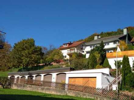 Einfamilienhaus mit Einliegerwohnung mit atemberaubenden Panoramablick