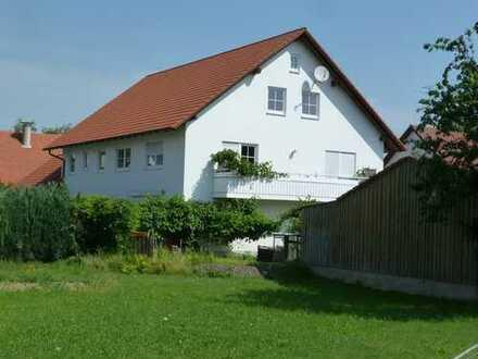 Vollständig renovierte 4-Zimmer-Erdgeschosswohnung mit Terrasse in Attenhausen