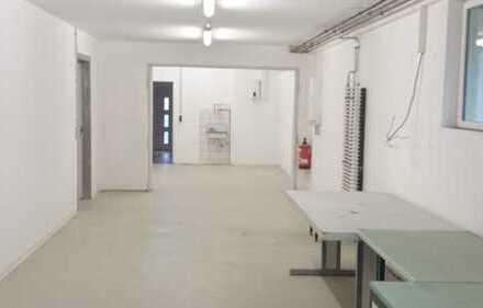 Halle und Büro, ideal für Handwerksbetrieb