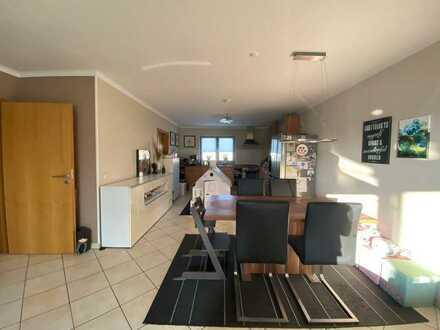 Großzügig geschnittene 3-Zimmer-DG-Wohnung mit zwei Balkonen im Zentrum von Altenkirchen