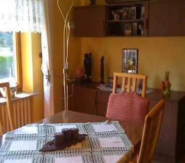 100qm Wohnung, 2 Schlafzimmer, Wohnung voll möbliert.