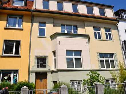 Stilechte Altbauwohnung in ruhiger Lage in Mülheim - Top-Preis für Selbstrenovierer