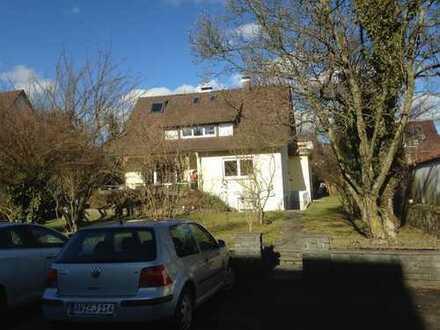 Zwei Zimmer in 2er Frauen WG an Stadtgrenze Freiburg 24qm WM 420€, sehr ruhige Lage mit großem Garte
