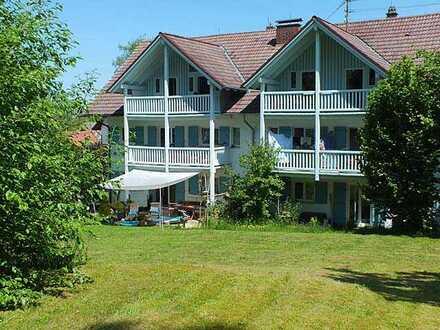 Toll 2 Zi-Erdgeschoss-Wohnung mit Terrasse und Garten.