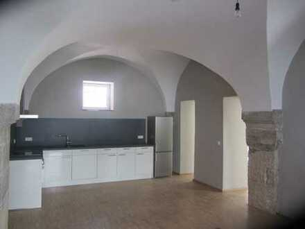Spektakuläre Wohnung im Zentrum von Reutlingen - mit Kappengewölbe, 17. Jhdt.