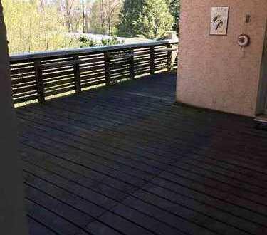 Renovierte Wohnung im 1. OG mit 30qm Terrasse