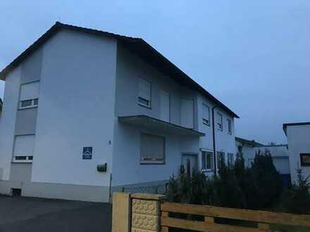Schönes EFH mit zwei Wohnungen und Möglichkeiten für weitere Wohnungen