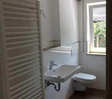 Schöne, geräumige drei Zimmer EG- Wohnung in Kelheim