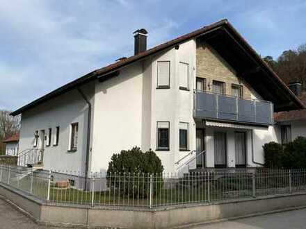 Ansprechendes Zweifamilienhaus in Mörnsheim