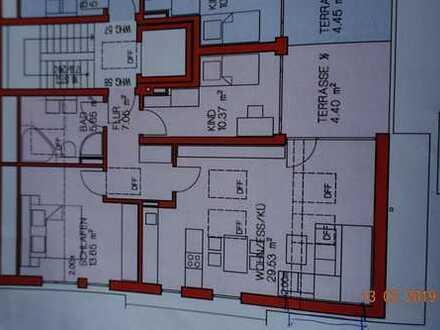 Erstbezug mit Einbauküche und Balkon: schöne 3-Zimmer-DG-Wohnung in Augsburg-Göggingen mit Bergblick