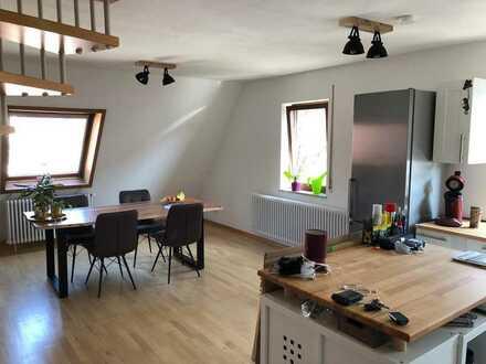 Großzügige Dachgeschosswohnung in zentraler Innenstadtlage von Herrenberg