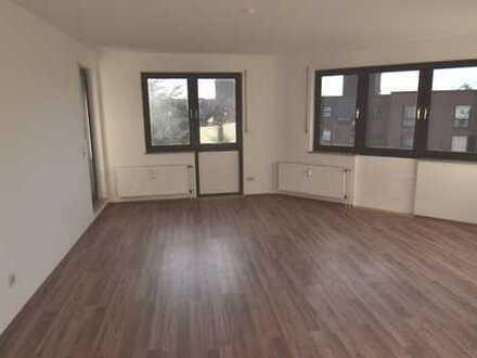 Schöne, helle 3-Zimmer Wohnung mit Einbauküche